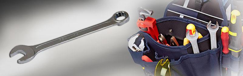 Werkzeugkoffer, Bits oder Arbeitslampen in...